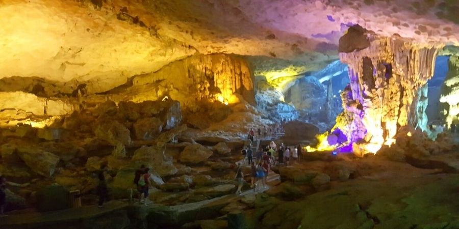 After climbing a few flights of stairs, you will find Sung Sot (Surprise) Cave at the end