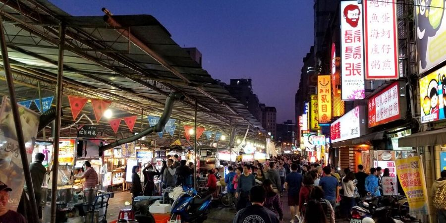 Night markets like Ningxia Night Market, offer delicious Taiwanese food at affordable prices.