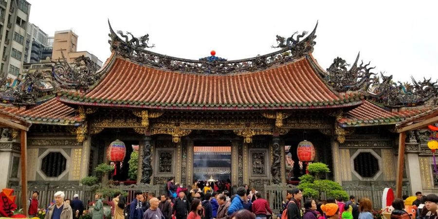 Visit Longshan Temple in one of Taipei's oldest neighbourhoods.