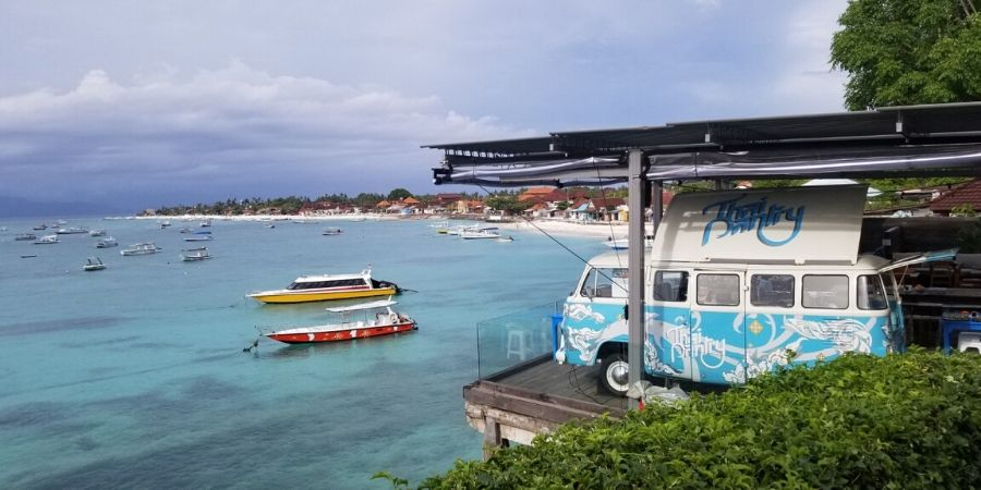 Enjoy the best view of Jungutbatu Beach in Nusa Lembongan, Indonesia