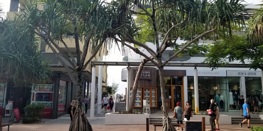 Many boutique shops and restaurants line both sides of Hastings Street, the main street in Noosa Heads.