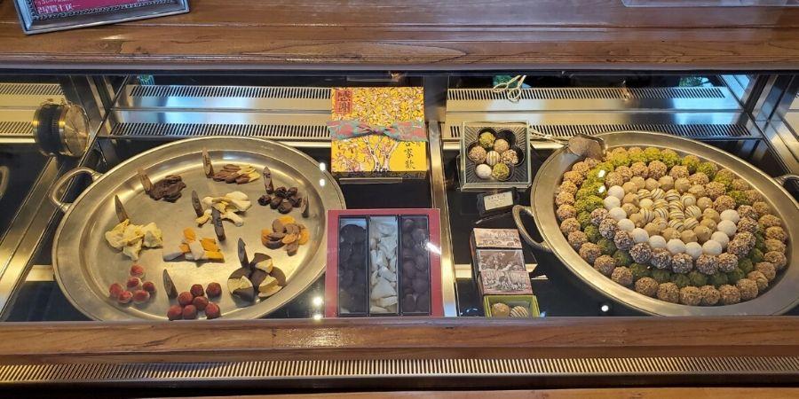 So many types of chocolates to choose from at Miyahara.