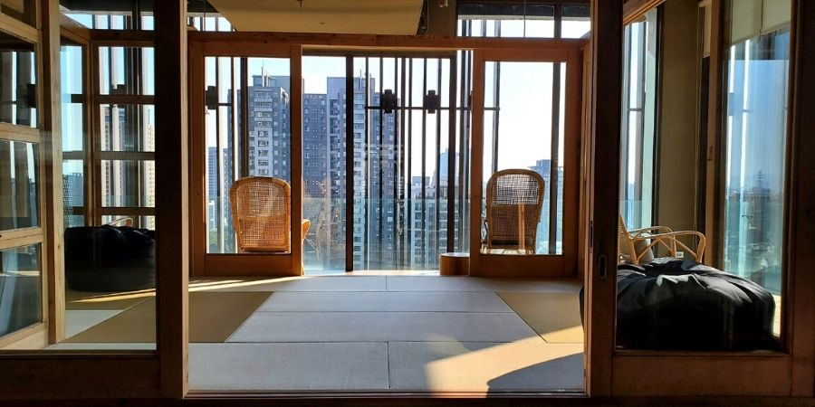 The Star Hostel Taichung Parklane has a magnificent view of Calligraphy Greenway in Taichung.