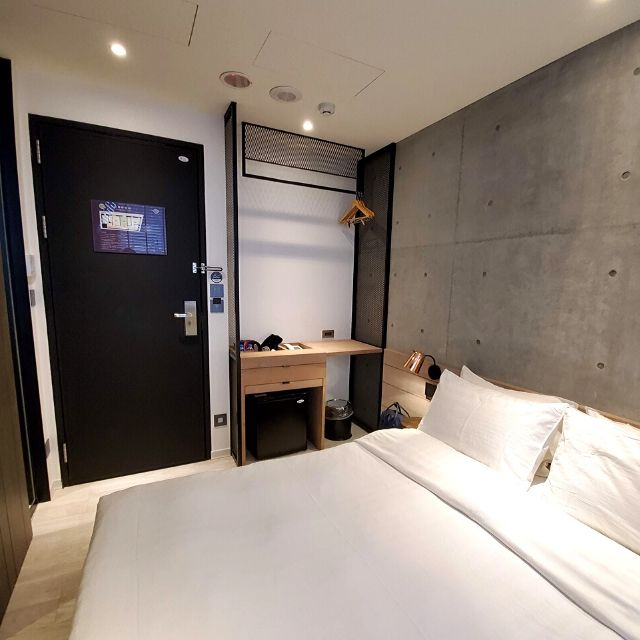 The small and compact room at Monka Hotel is everything I wanted for a short term stay in Taipei.