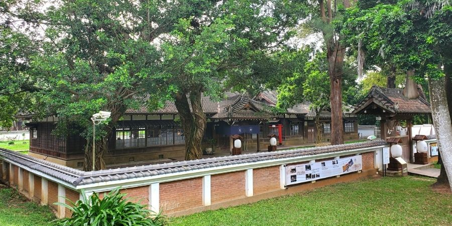 The Chiayi City Historical Relic Museum was restored in the original style ofJapanese Shoin-zukuri architecture.
