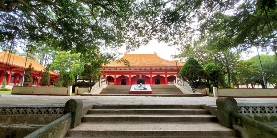 Get up close and personal and see all the architectural details of Chiayi Confucius Temple.