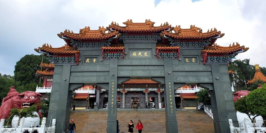 Take your time and wander around Wenwu Temple