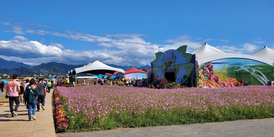 The tents for the Central Taiwan Agriculture Expo are set up in the southwest quadrant of the flower festival.