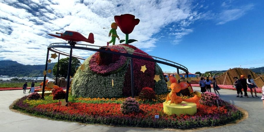 Le Petite Prince was the theme for the Taichung International Flower Carpet Festival in 2019.