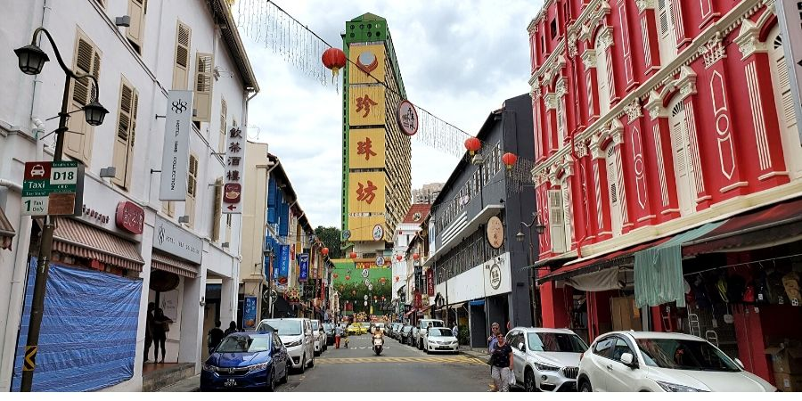 Streets of Chinatown in Singapore