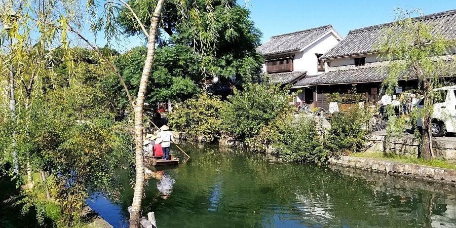 Canal tour in Kurashiki Bikan Historical Quarter