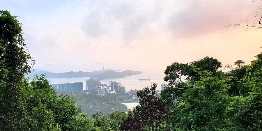 The High West hike is a short hike to see the most beautiful Victoria Peak sunset on HK Island.