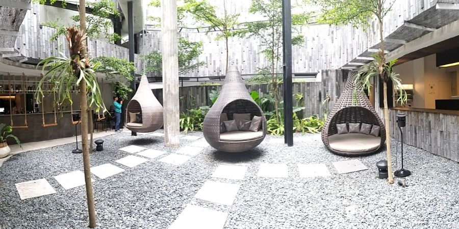 Read my Lloyd's Inn Bali review and learn about the best boutique hotel in Seminyak.