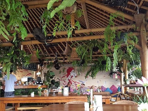 One of the best cafes in Seminyak is Shelter Cafe, a cafe serving wholesome food and great space for working.