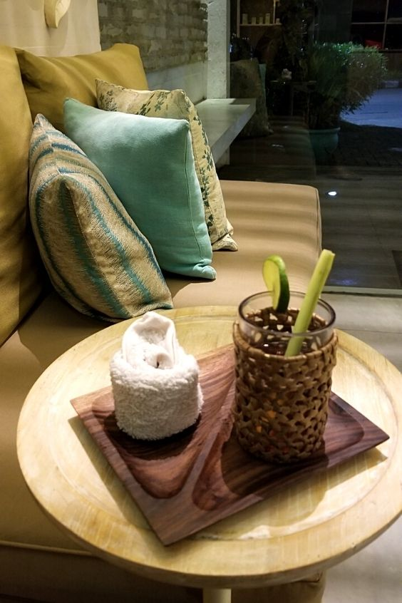 Enjoy a drink and towel before the best massage in seminyak