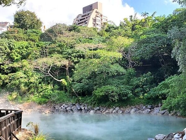 Learn everything you need to know from my beginner's guide to Beitou hot spring and explore Beitou as a day trip from Taipei.
