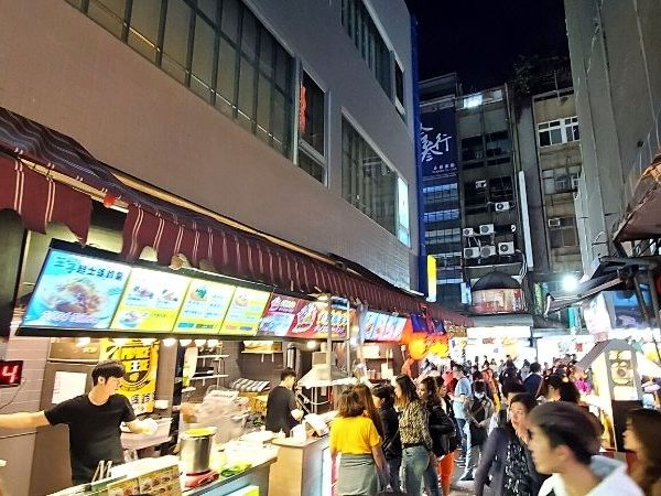 Try some of the best Ximending food the next time you travel to Taipei, Taiwan.