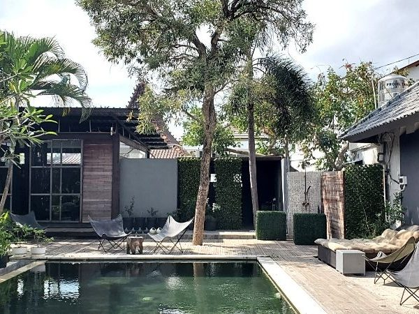 Get a massage or spa treatment in a Canggu day spa while travelling solo in Bali.