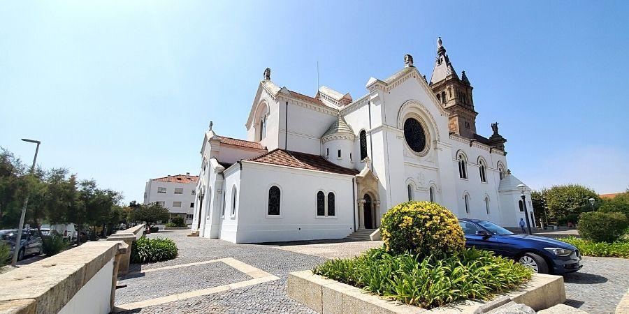 Igreja Paroquial de Espinho - Paróquia de Nossa Senhora D'Ajuda